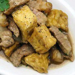 thịt kho đậu hủ nước dừa
