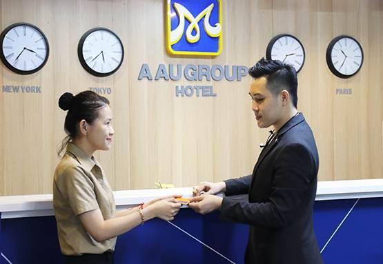 lớp quản trị nhà hàng khách sạn cet
