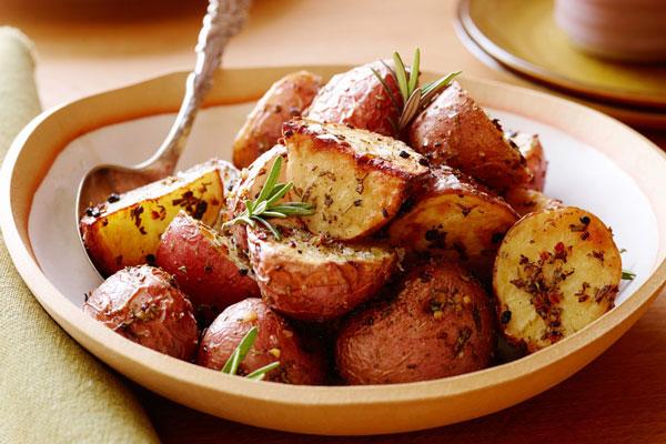 vỏ và lõi khoai tây nướng