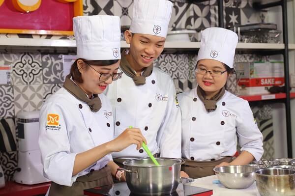 trung tâm dạy nghề làm bánh CET