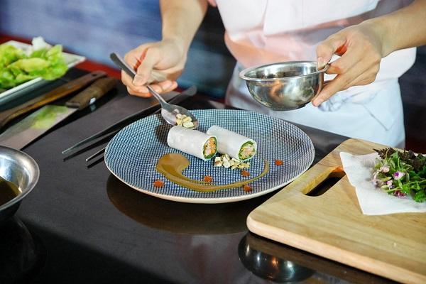 hình ảnh học nấu ăn để tự do sáng tạo