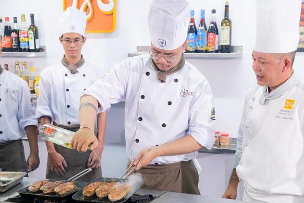 học văng bằng 2 ngành kỹ thuật chế biến món ăn tại cet