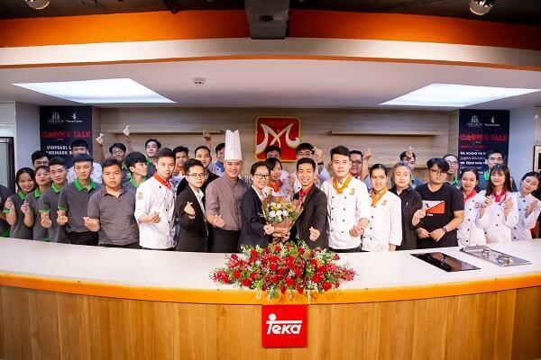 kí kết của ty Công ty TNHH MTV Đầu Bếp Á Âu và Công ty Cổ phần Vinpearl