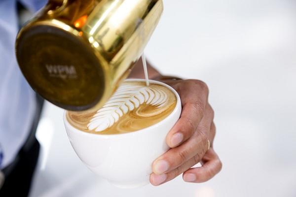 barista nắm vững được những kiến thức và kỹ thuật vẽ latte art