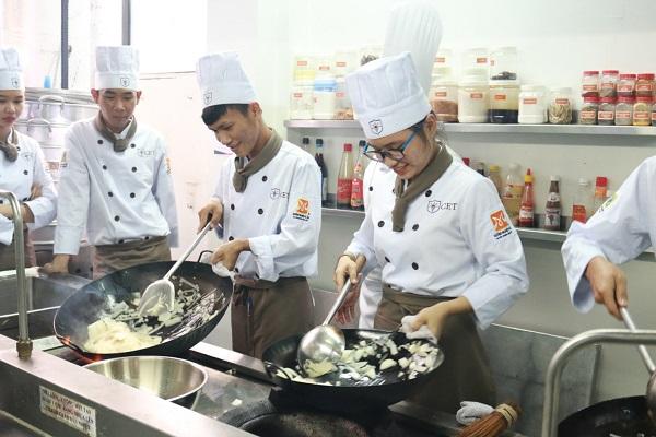 nhu cầu tuyển dụng đầu bếp