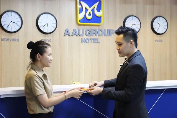 hình ảnh lớp học quản trị nhà hàng khách sạn tại trường trung cấp CET