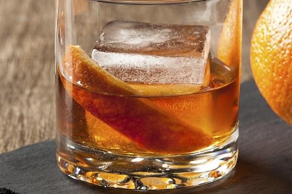 hình ảnh đá uống rượu
