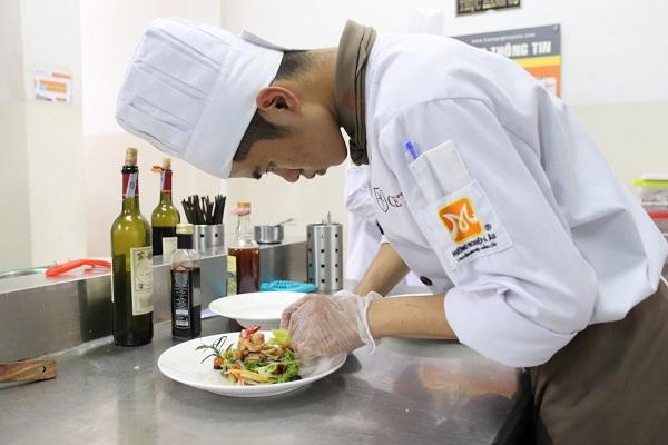 hình ảnh đam mê nghề đầu bếp