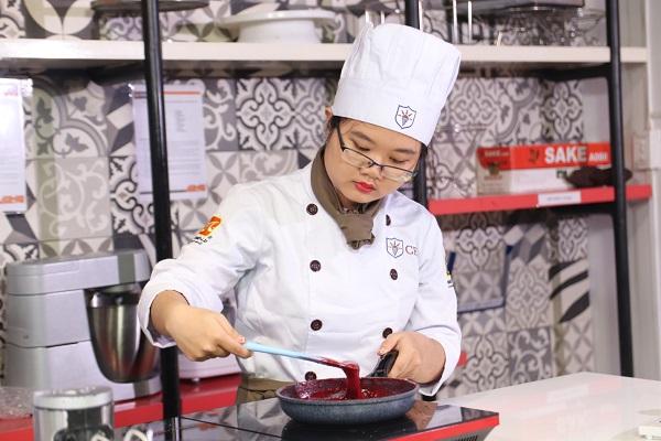 con gái hướng nội phù hợp với nghề làm bánh