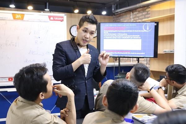 ưu điểm và giá trị của chương trình tiếng Anh chuyên ngành NHKS