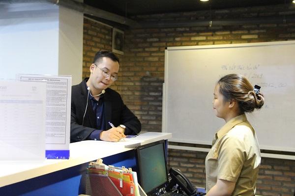 sinh viên CET được đào tạo cứng về kỹ năng mềm trong ngành QTNHKS
