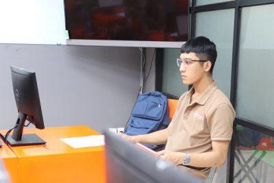 sinh viên được học và thực hành về kỹ năng ngoại ngữ và tin học