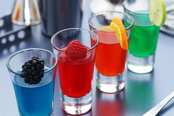 hình ảnh tạo màu trong pha chế đồ uống