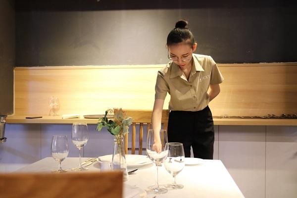 ngành quản trị nhà hàng khách sạn CET