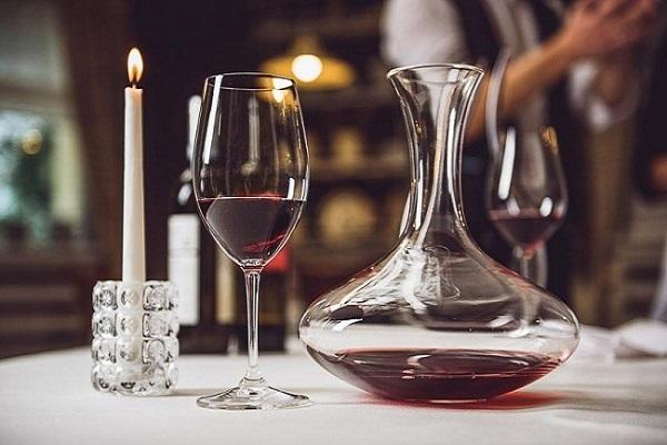 rượu vang thở