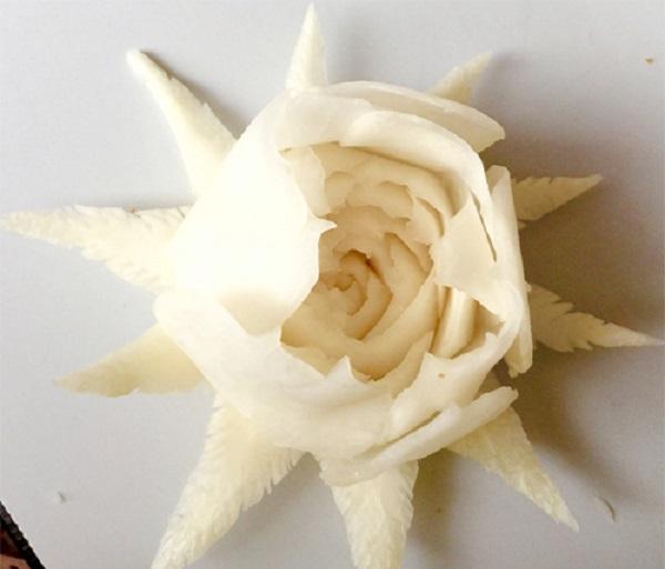 hoa hồng làm từ củ cải trắng