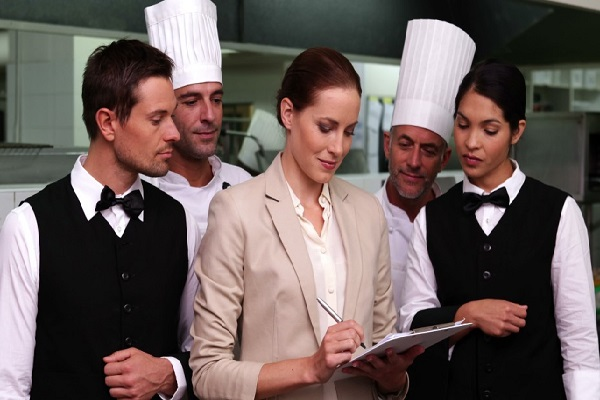 nhiệm vụ của người quản lý nhà hàng