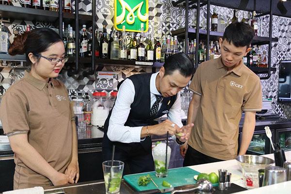 quầy bar chuyên nghiệp